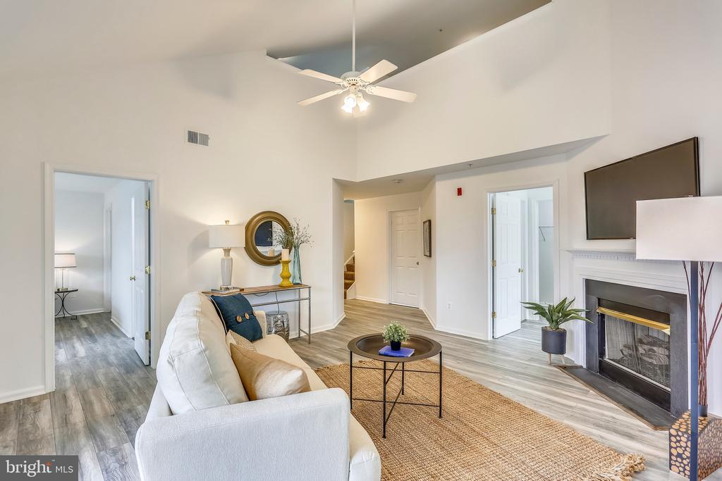 You just got to the living room. - 11824 ETON MANOR DR #302, GERMANTOWN