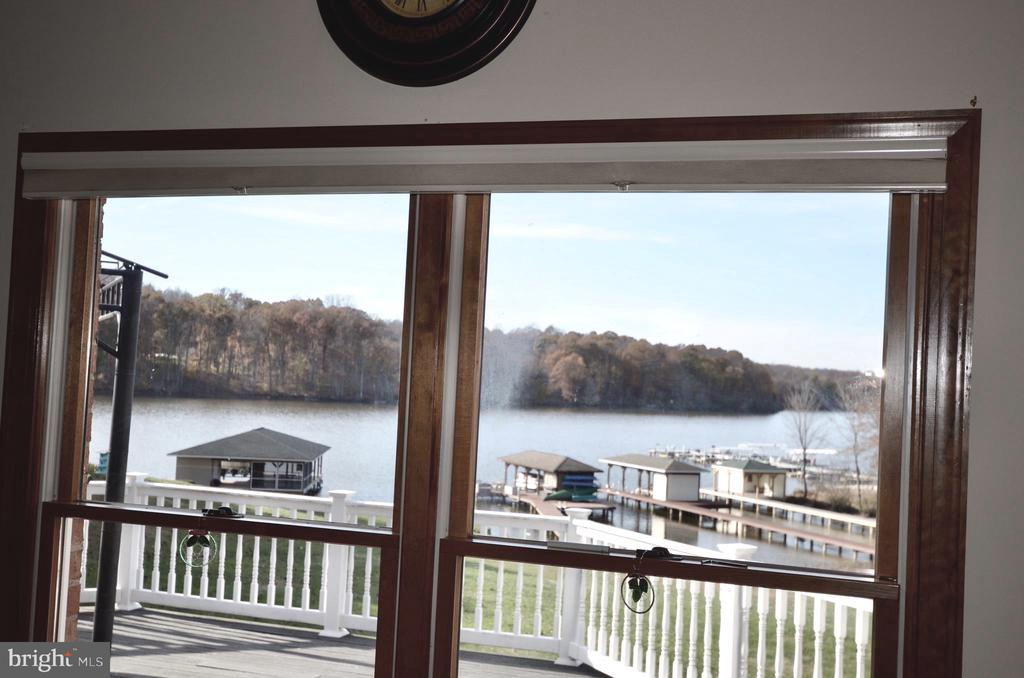 Views of the lake from virtually every room. - 15805 BREAK WATER CT, MINERAL
