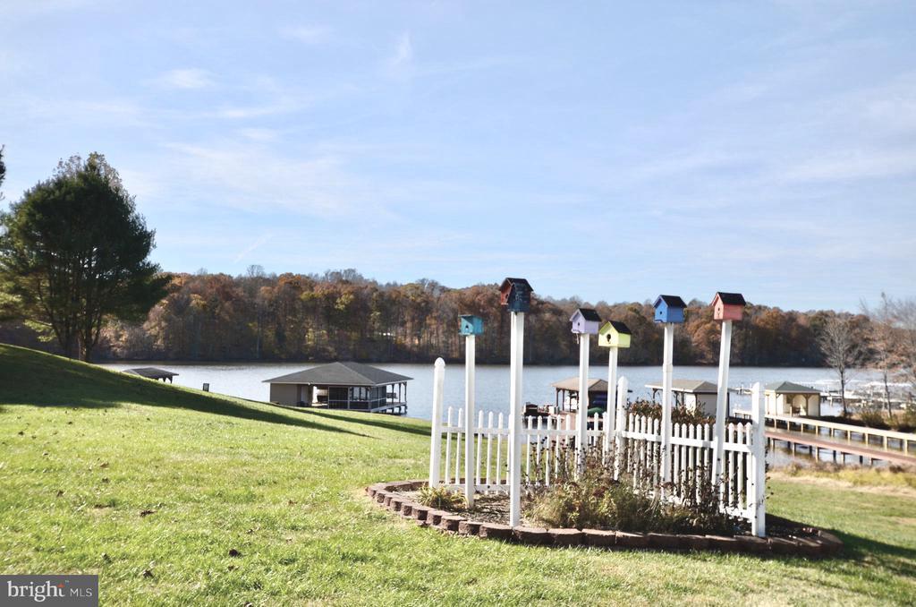 Breathtaking views & bird house. - 15805 BREAK WATER CT, MINERAL