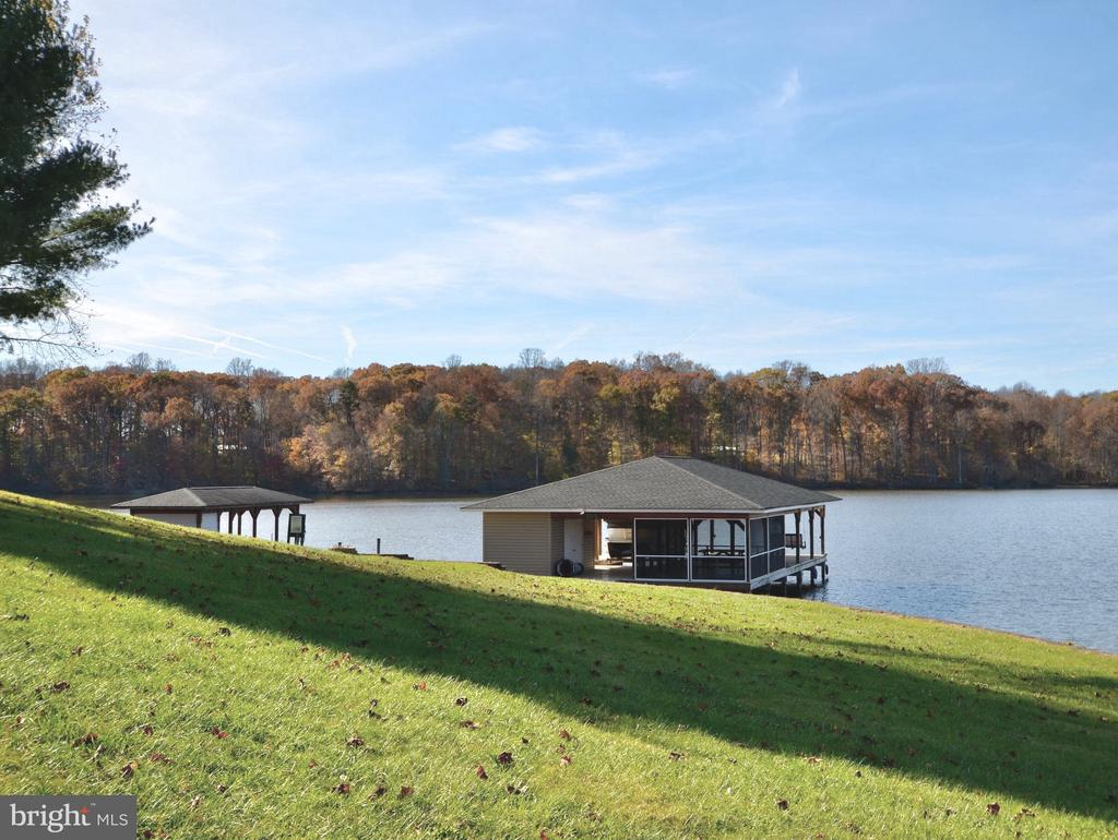 Views of the Lake & amazing tree line. - 15805 BREAK WATER CT, MINERAL