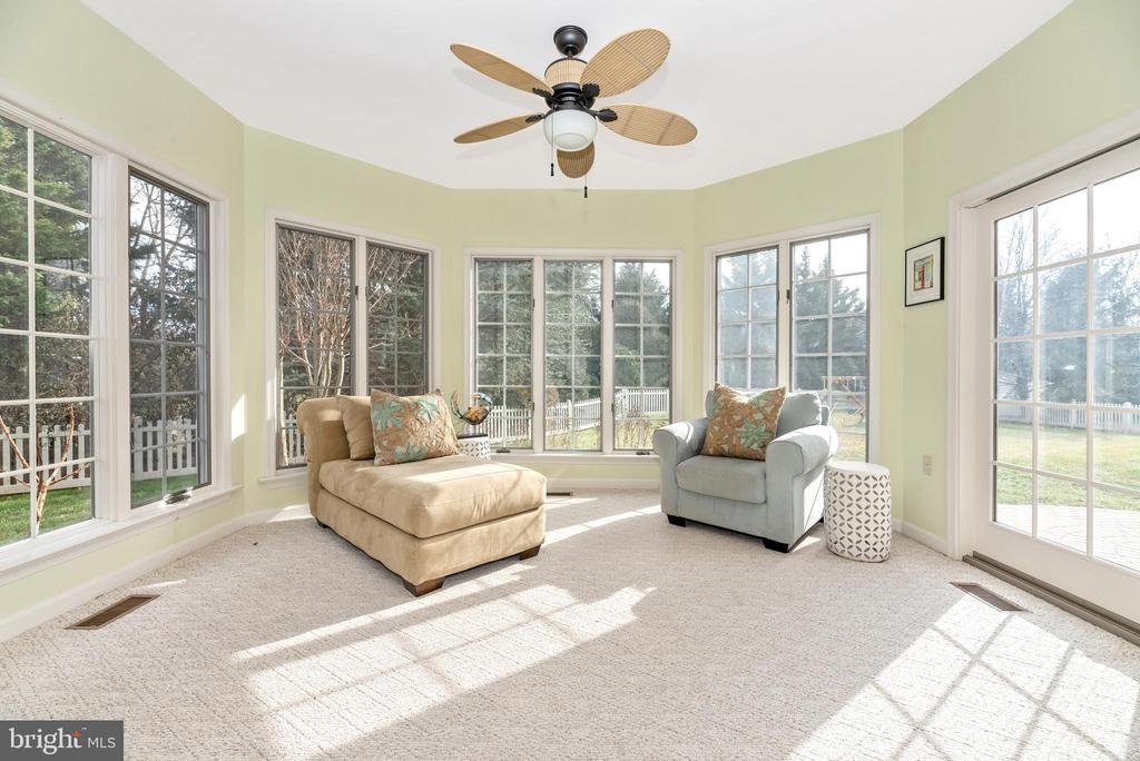 Morning room with a TON of windows!! - 8221 FOX HUNT LN, FREDERICK