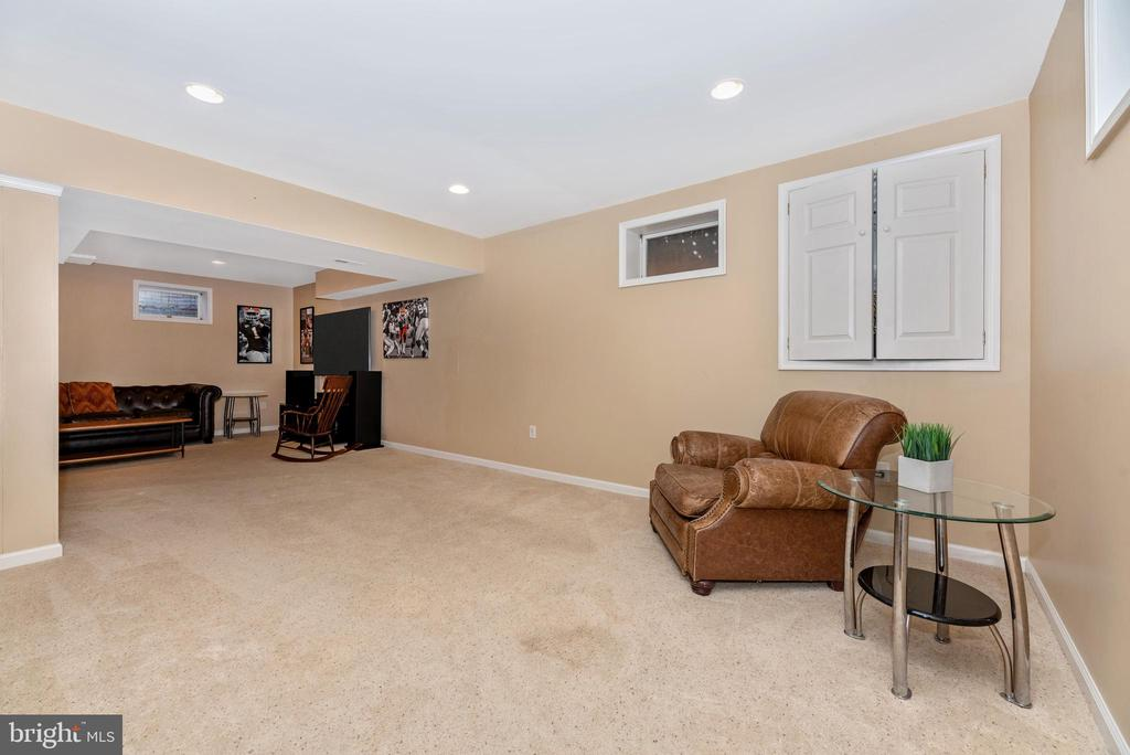 Fully finished basement with extra large storage! - 8221 FOX HUNT LN, FREDERICK