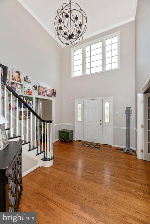 Beautiful two story foyer and orb light fixture - 8221 FOX HUNT LN, FREDERICK