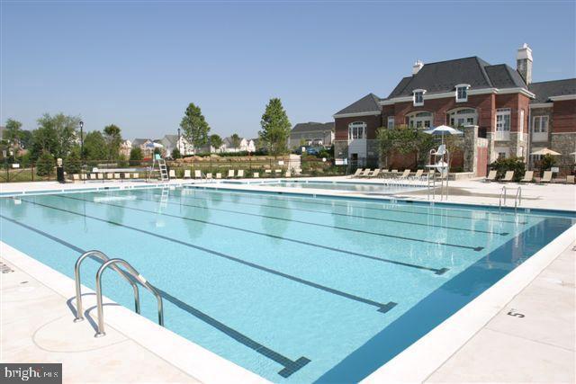 One of 4 Pools Available to Brambleton Residents - 23100 LAVALLETTE SQ, BRAMBLETON