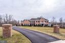 - 42929 CEDAR RIDGE BLVD, CHANTILLY