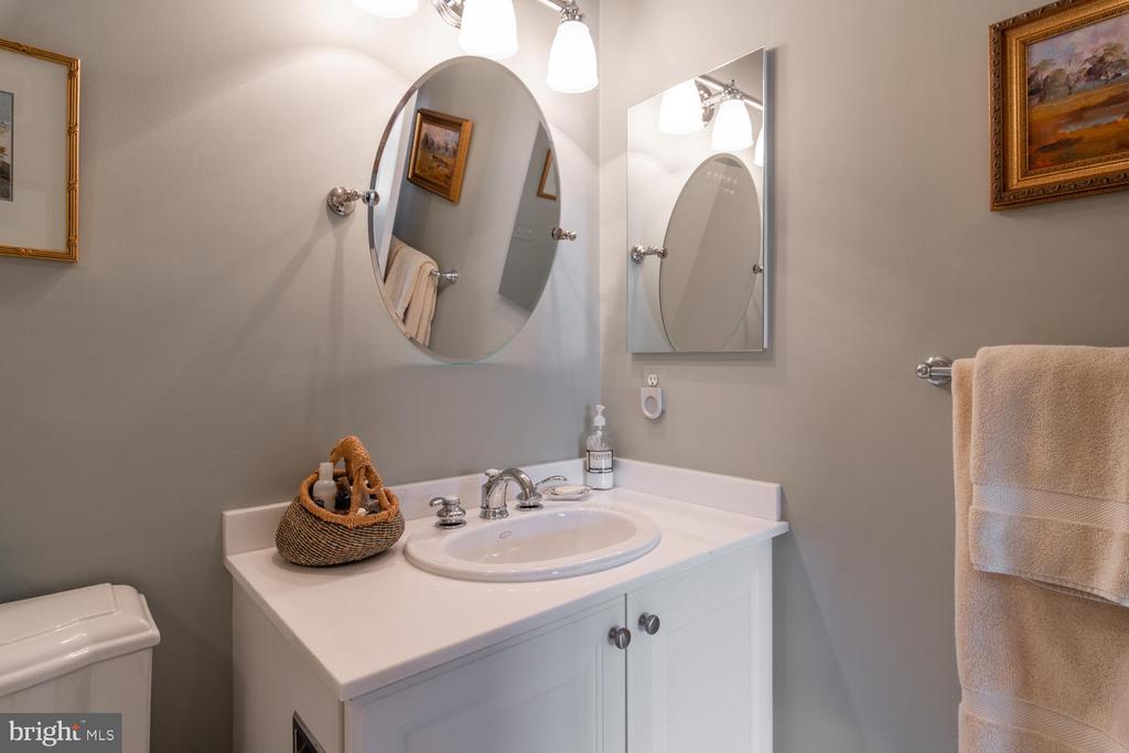 Bedroom Suite #3 Bathroom - 723 S UNION ST, ALEXANDRIA