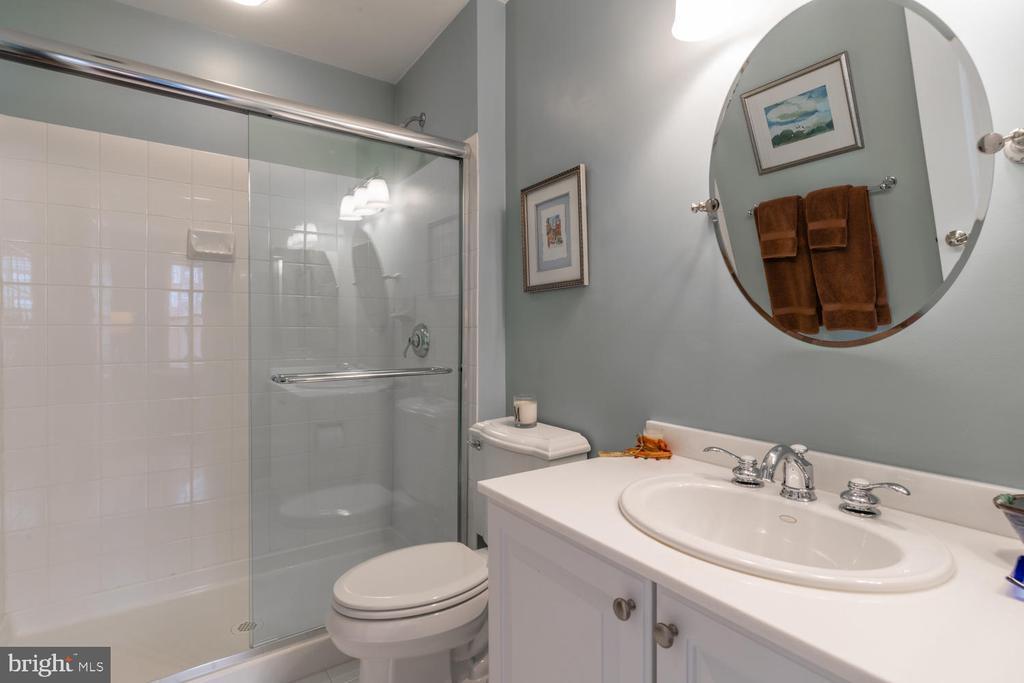 Bedroom Suite #2 Bathroom - 723 S UNION ST, ALEXANDRIA