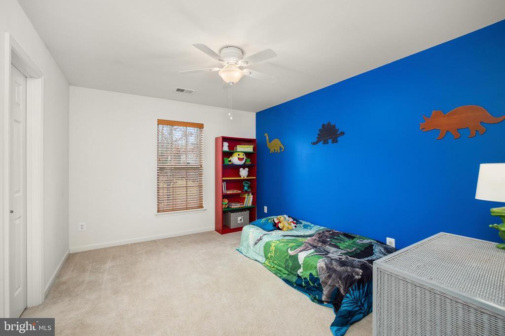 BEDROOM #2 W/ AN ACCENT WALL - 10008 WILLOW RIDGE WAY, SPOTSYLVANIA