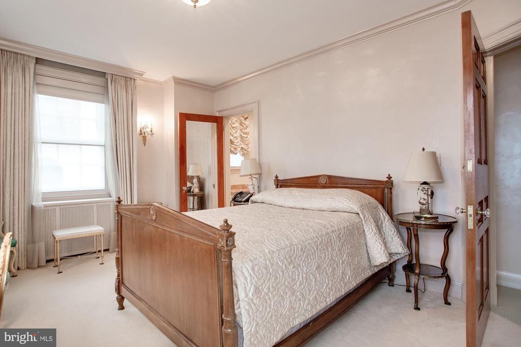 Bedroom - 2409 WYOMING AVE NW, WASHINGTON