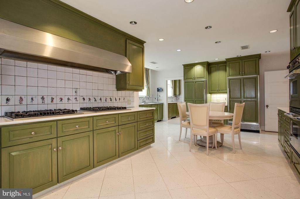 Kitchen - 2409 WYOMING AVE NW, WASHINGTON