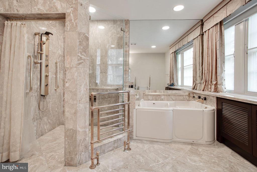 Master Bathroom - 2409 WYOMING AVE NW, WASHINGTON