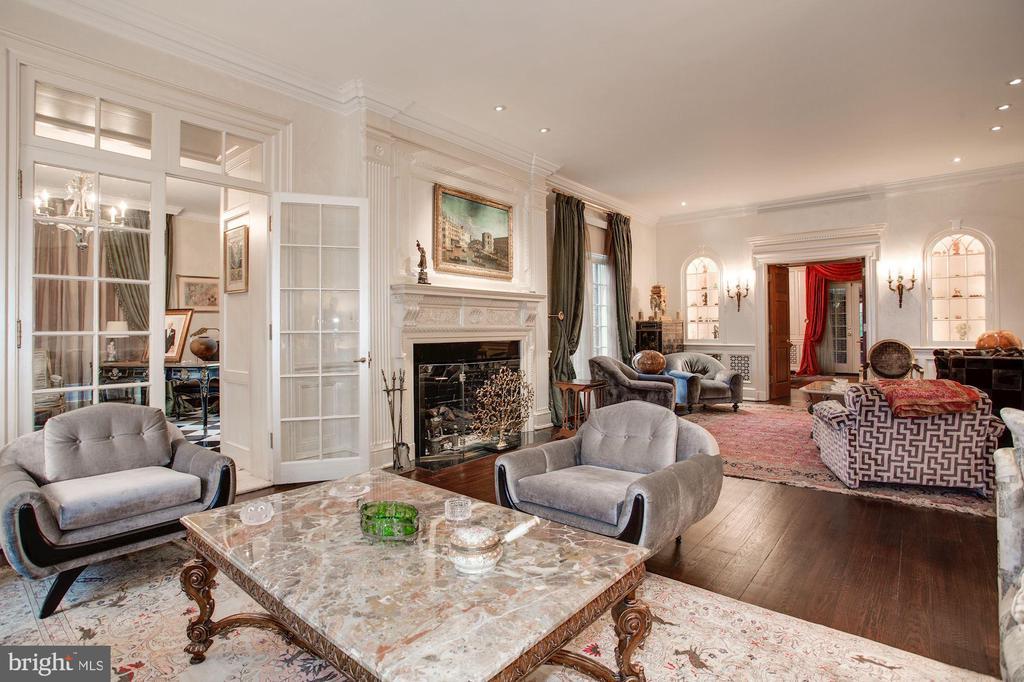 Living Room - 2409 WYOMING AVE NW, WASHINGTON