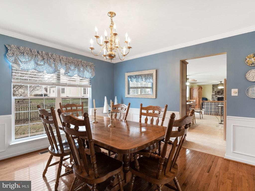 Light-filled Dining Room - 15721 MARBURY HEIGHTS WAY, DUMFRIES