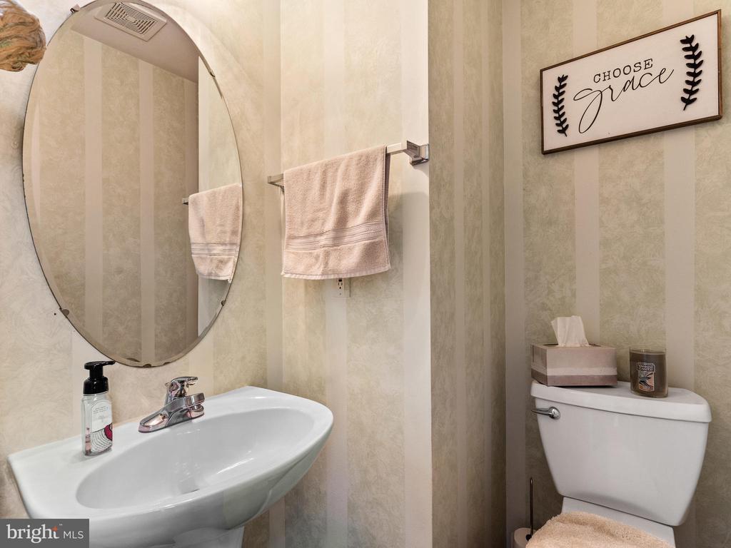Main Level Half-Bath - 15721 MARBURY HEIGHTS WAY, DUMFRIES