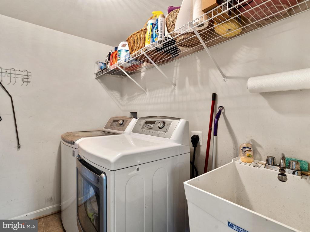 Main Level Laundry Room - 15721 MARBURY HEIGHTS WAY, DUMFRIES