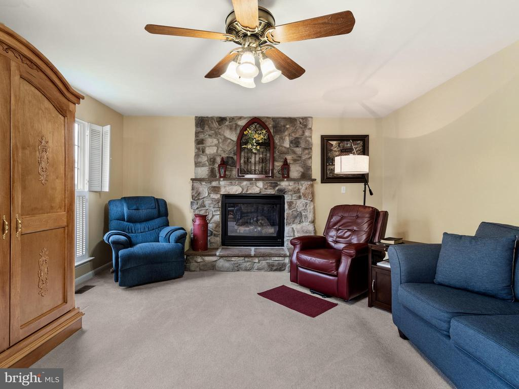 Family Room with Fireplace - 15721 MARBURY HEIGHTS WAY, DUMFRIES