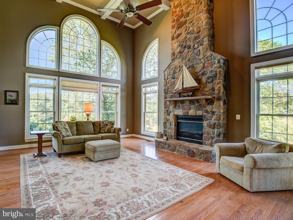 TWO-STORY FAMILY ROOM - 34507 SNICKERSVILLE TPKE, BLUEMONT