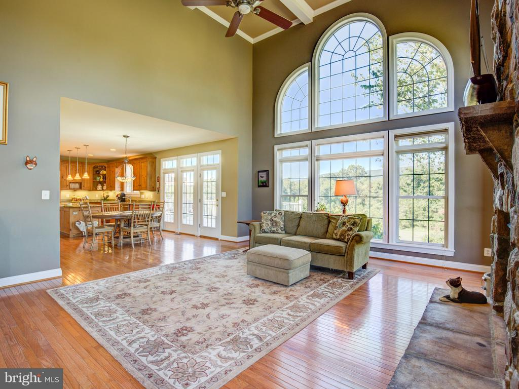 PICTURE WINDOW WITH MOUNTAIN VIEWS - 34507 SNICKERSVILLE TPKE, BLUEMONT