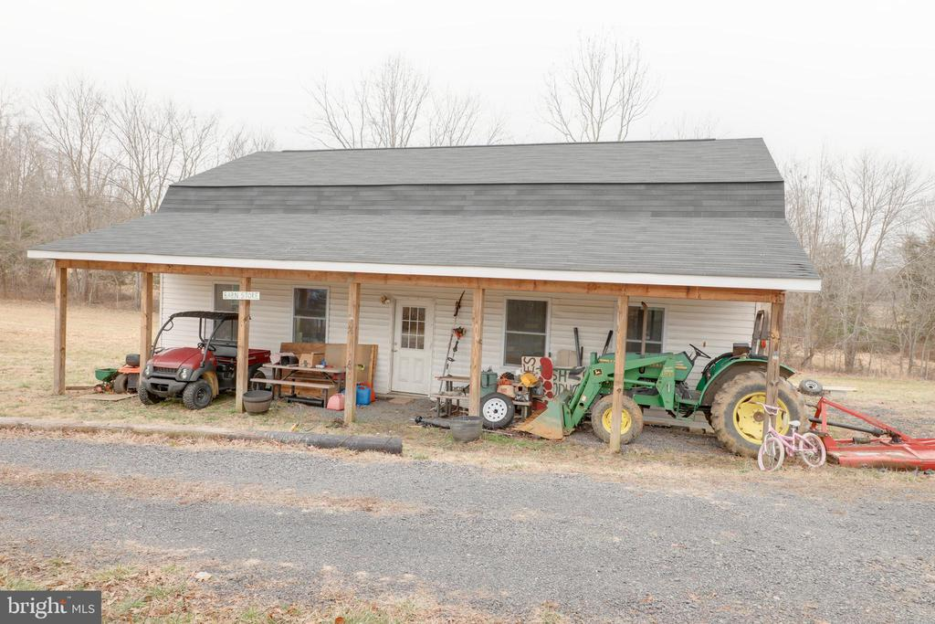 Barn/store with  exterior storage for equipment - 33321 CONSTITUTION HWY, LOCUST GROVE