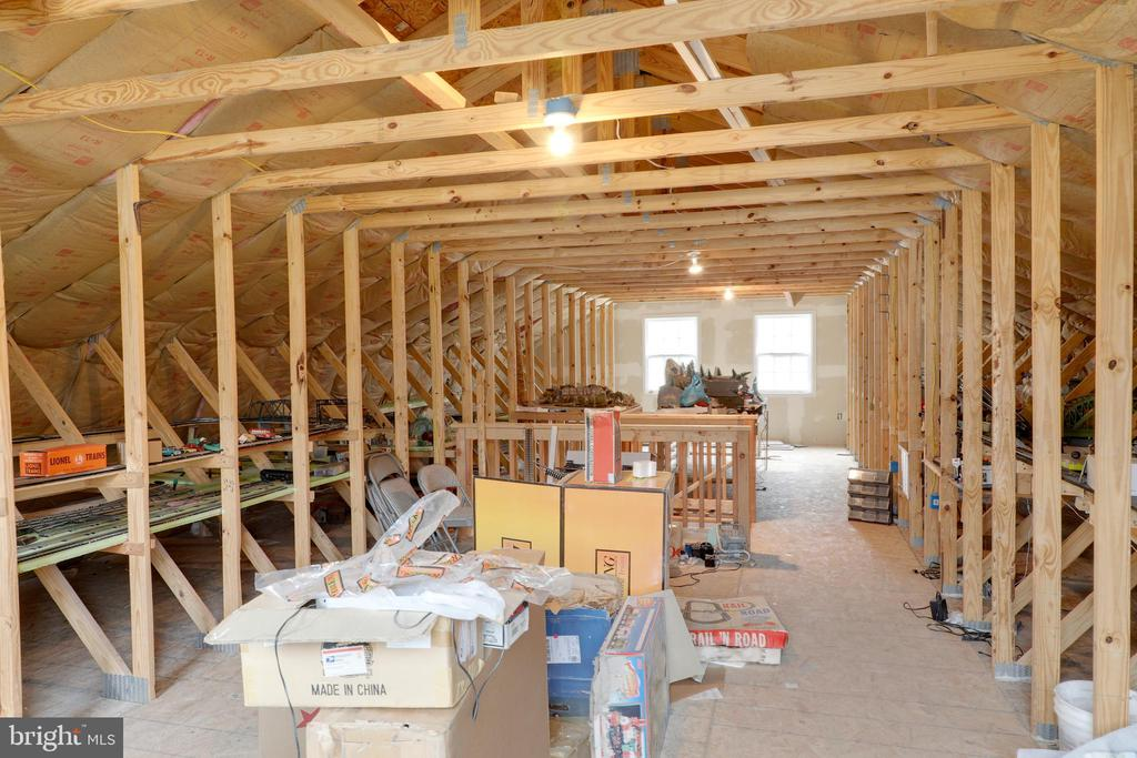 Additional upstairs space in barn - 33321 CONSTITUTION HWY, LOCUST GROVE
