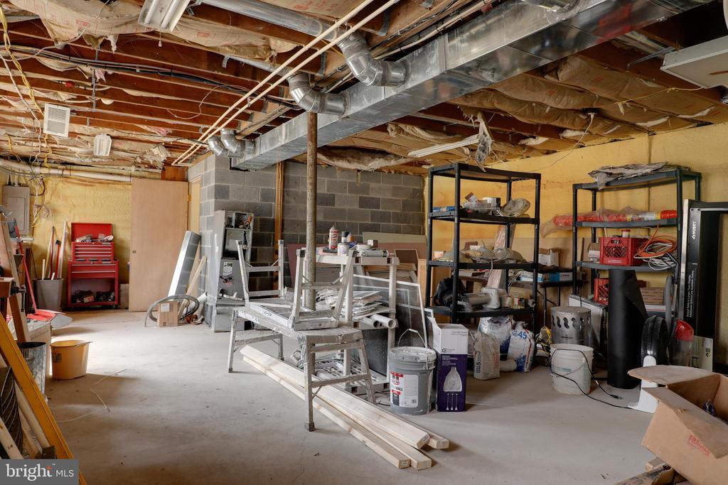 Add'l storage space in basement - 33321 CONSTITUTION HWY, LOCUST GROVE