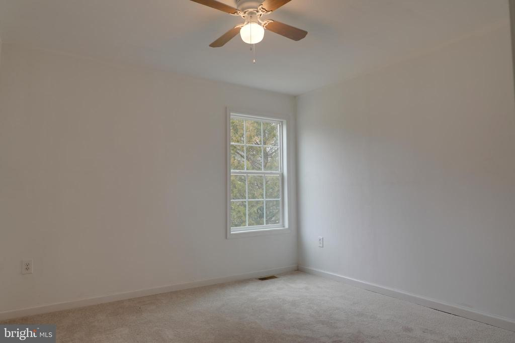 Bedroom #2 w/ new carpet - 33321 CONSTITUTION HWY, LOCUST GROVE