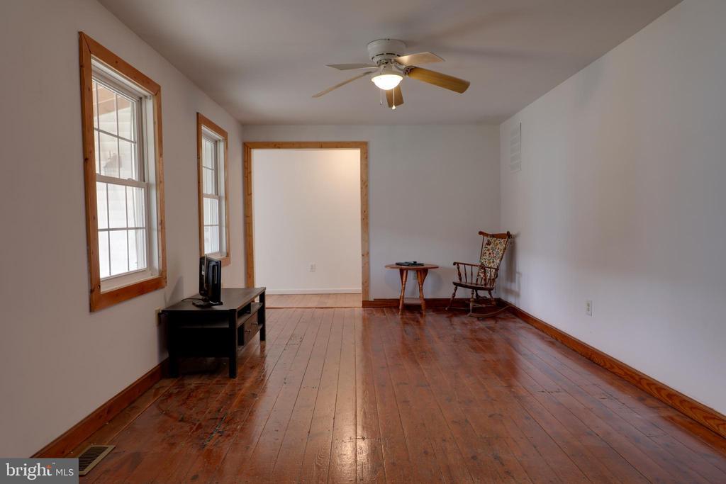Wood trim windows, doorways  & baseboards - 33321 CONSTITUTION HWY, LOCUST GROVE