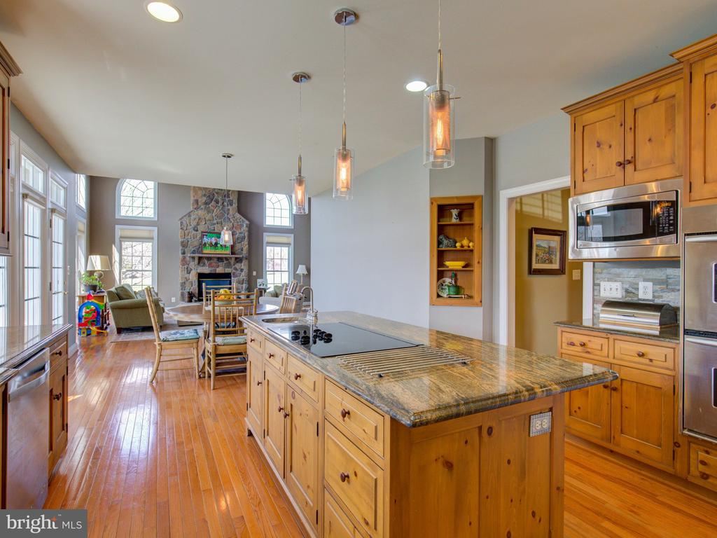 HIGH-END GRANITE,STAINLESS APPL. - 34507 SNICKERSVILLE TPKE, BLUEMONT