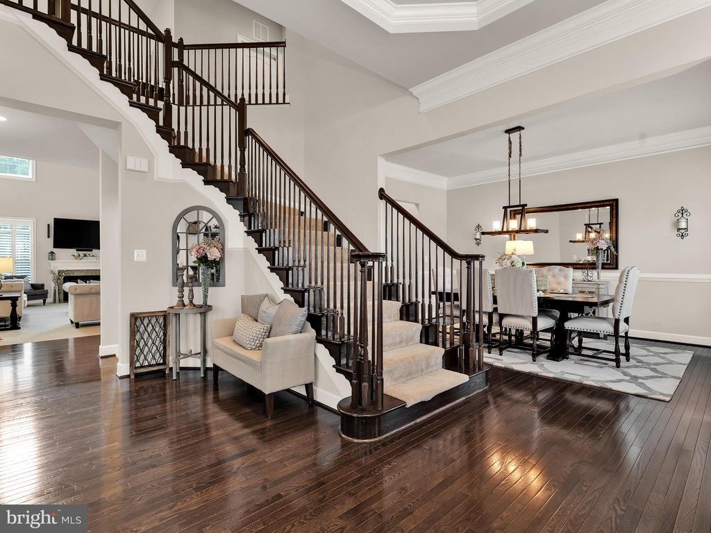 Grand staircase - 42545 KERSHAW PL, CHANTILLY