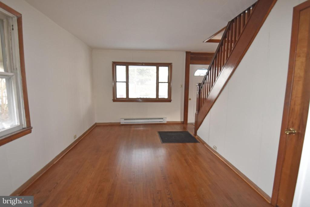 New Flooring located in Dining Area - 6 E G ST, BRUNSWICK
