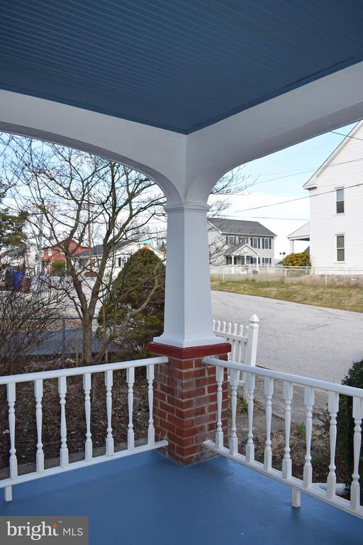 Professionally painted porch with new balusters - 6 E G ST, BRUNSWICK