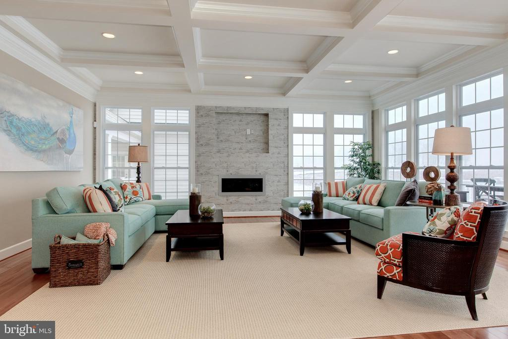 Sun-drenched family room has stone gas fireplace - 14732 RAPTOR RIDGE WAY, LEESBURG