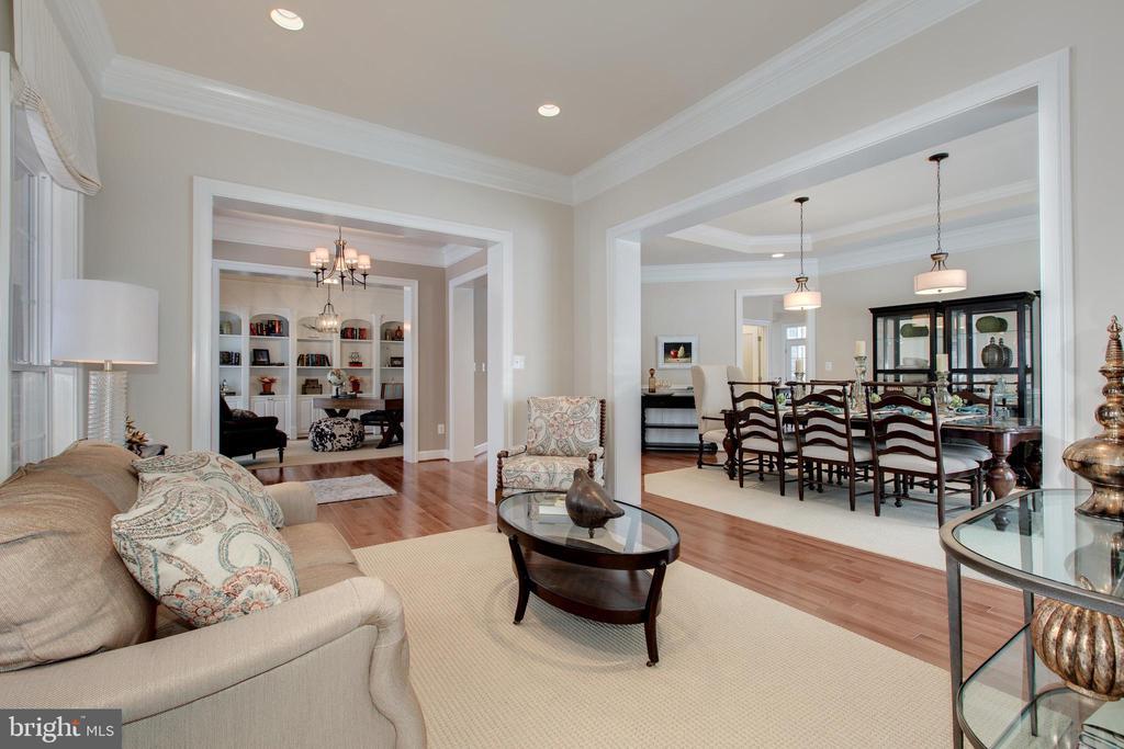 Formal living room off dining room - 14732 RAPTOR RIDGE WAY, LEESBURG