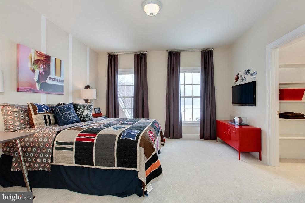 Bedroom 3 with large walk in closet - 14732 RAPTOR RIDGE WAY, LEESBURG