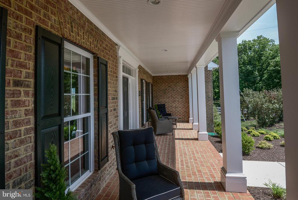 Upgraded brick front porch - 14732 RAPTOR RIDGE WAY, LEESBURG