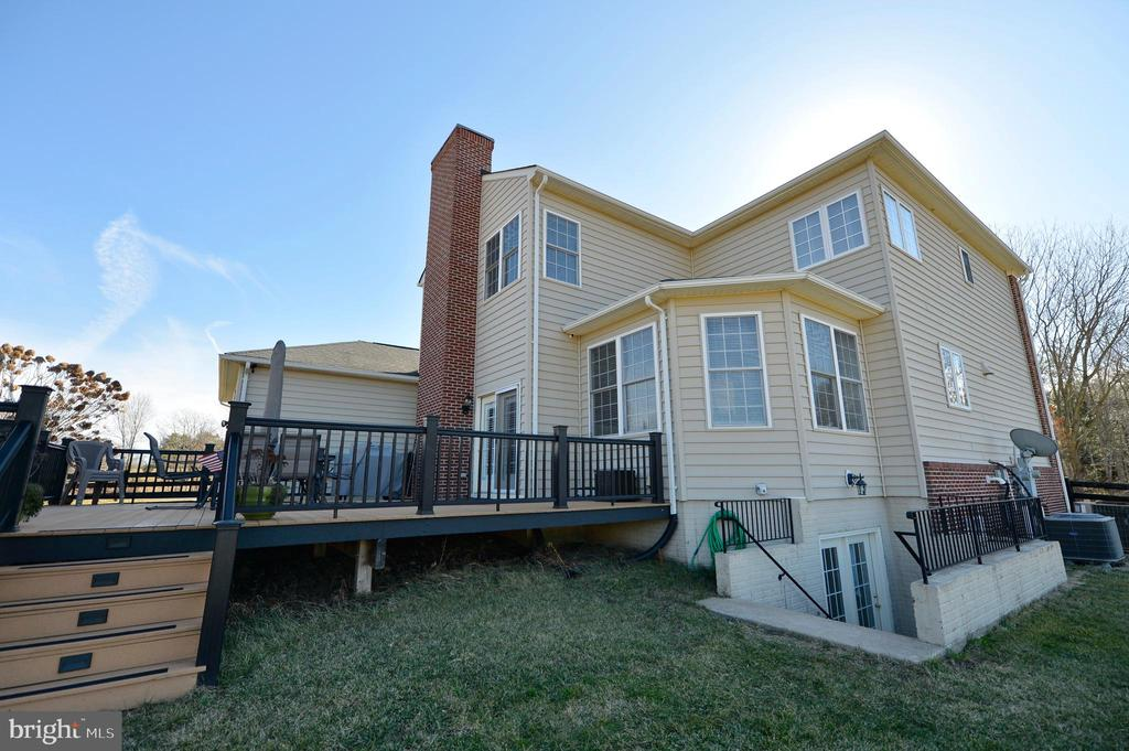 Back Elevation with Custom Deck - 37894 ST FRANCIS CT, PURCELLVILLE