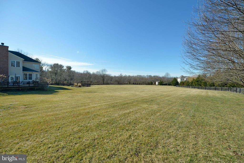 Huge Fenced Back Yard - 37894 ST FRANCIS CT, PURCELLVILLE