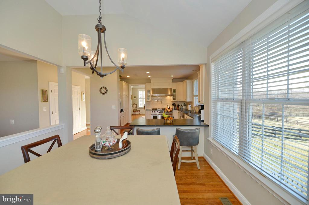 Breakfast Room View 3 - 37894 ST FRANCIS CT, PURCELLVILLE