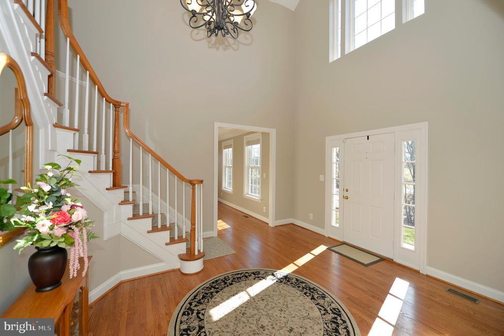 Foyer View 2 - 37894 ST FRANCIS CT, PURCELLVILLE