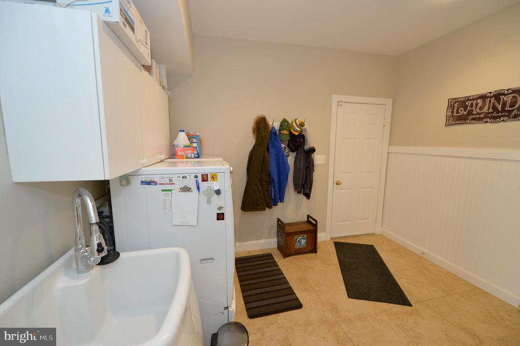 Laundry/Mud Room - 37894 ST FRANCIS CT, PURCELLVILLE