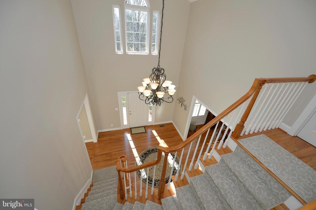 Upper Level Overlooks Foyer - 37894 ST FRANCIS CT, PURCELLVILLE