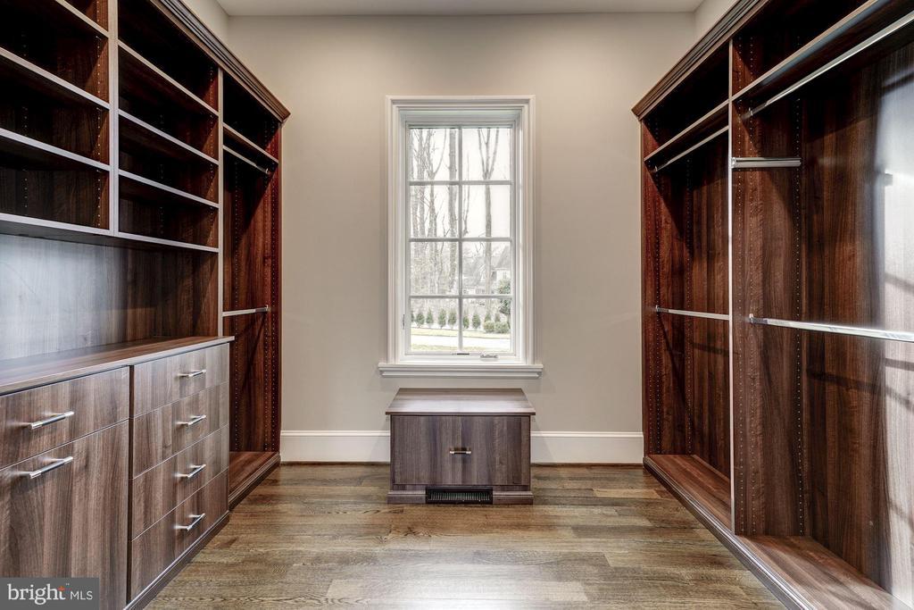 Master Closet - 1418 KIRBY RD, MCLEAN