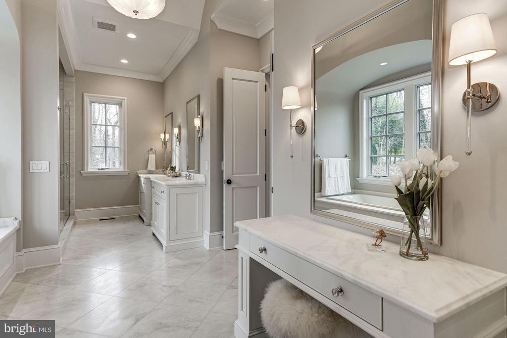 Luxurious Master Bath - 1418 KIRBY RD, MCLEAN
