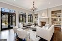 Living Room - 1418 KIRBY RD, MCLEAN