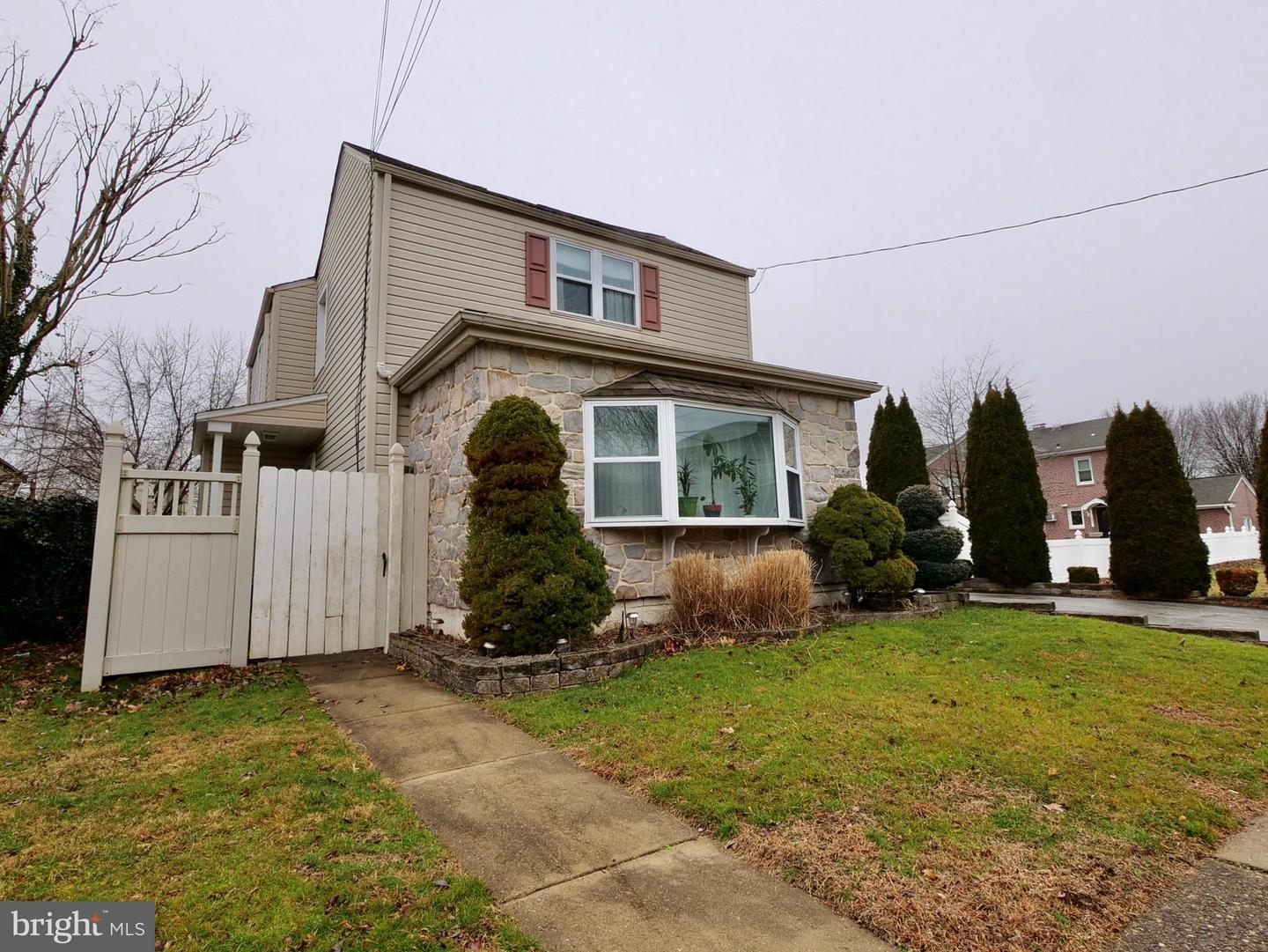 Single Family Homes for Sale at Folsom, Pennsylvania 19033 United States