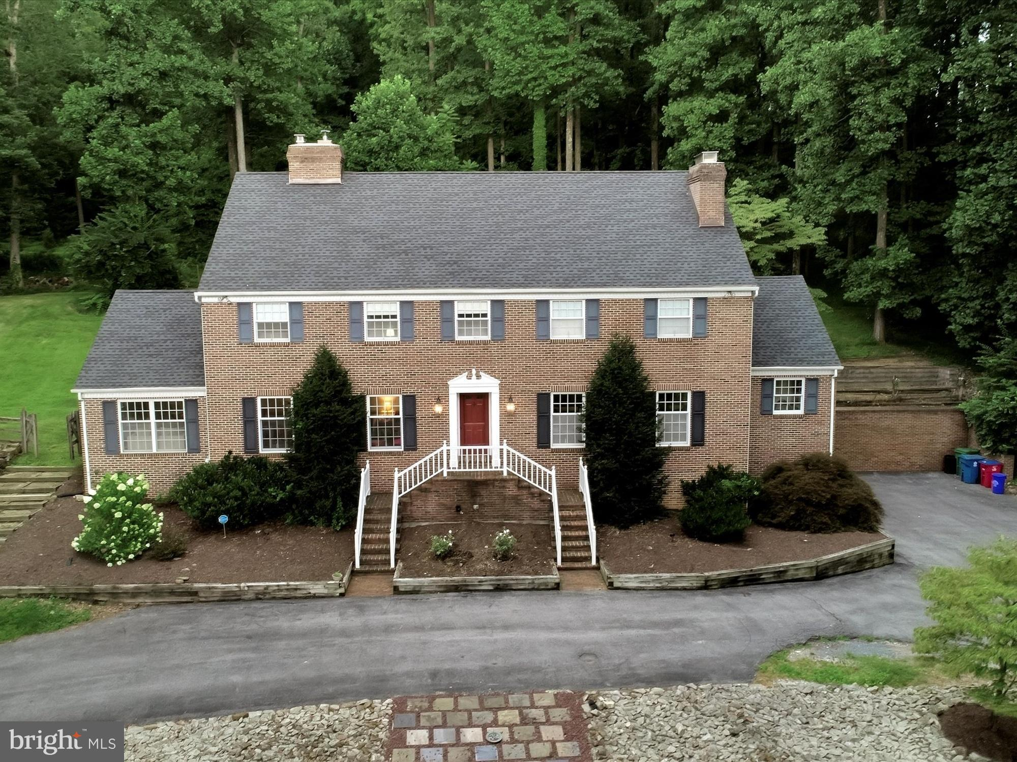 186 GOLF RIDGE ROAD, REINHOLDS, PA 17569