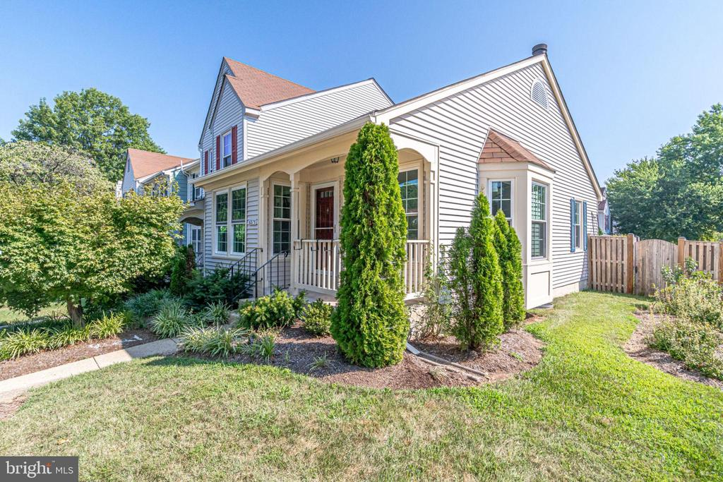 6375 Chimney Wood Ct, Alexandria, VA 22306
