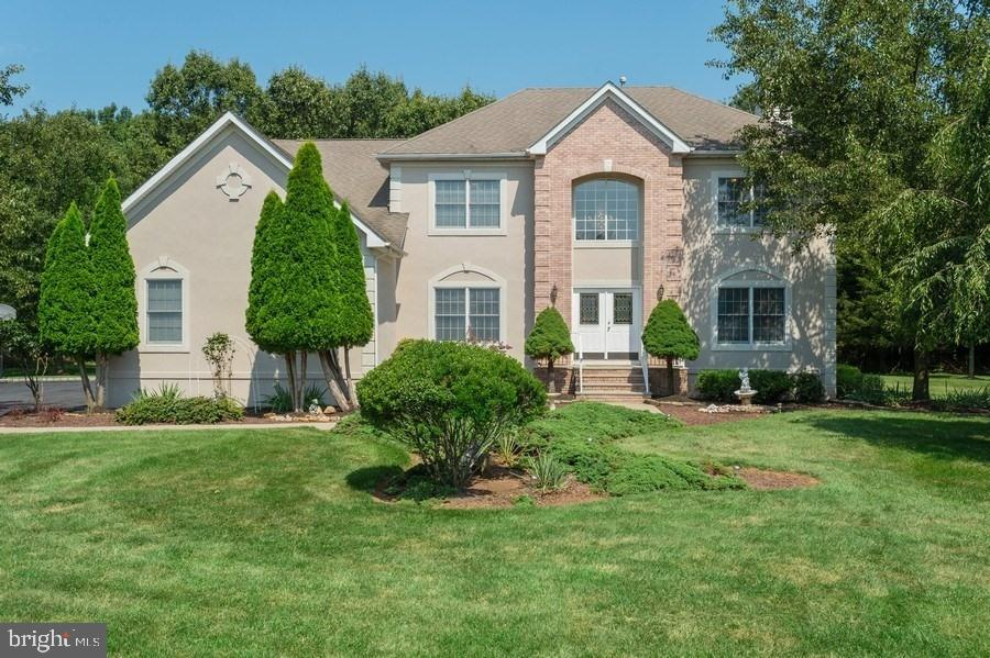 6 FIELDFLOWER DRIVE, BELLE MEAD, NJ 08502