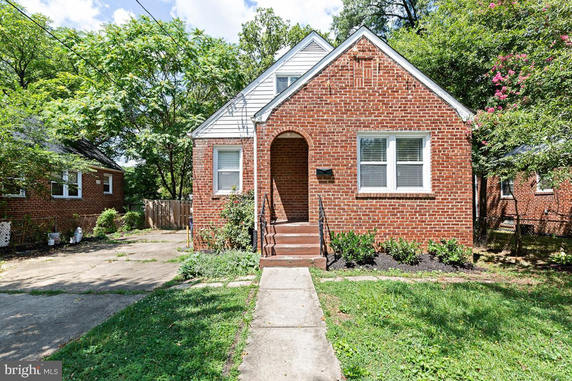 4414 39TH STREET, BRENTWOOD, MD 20722