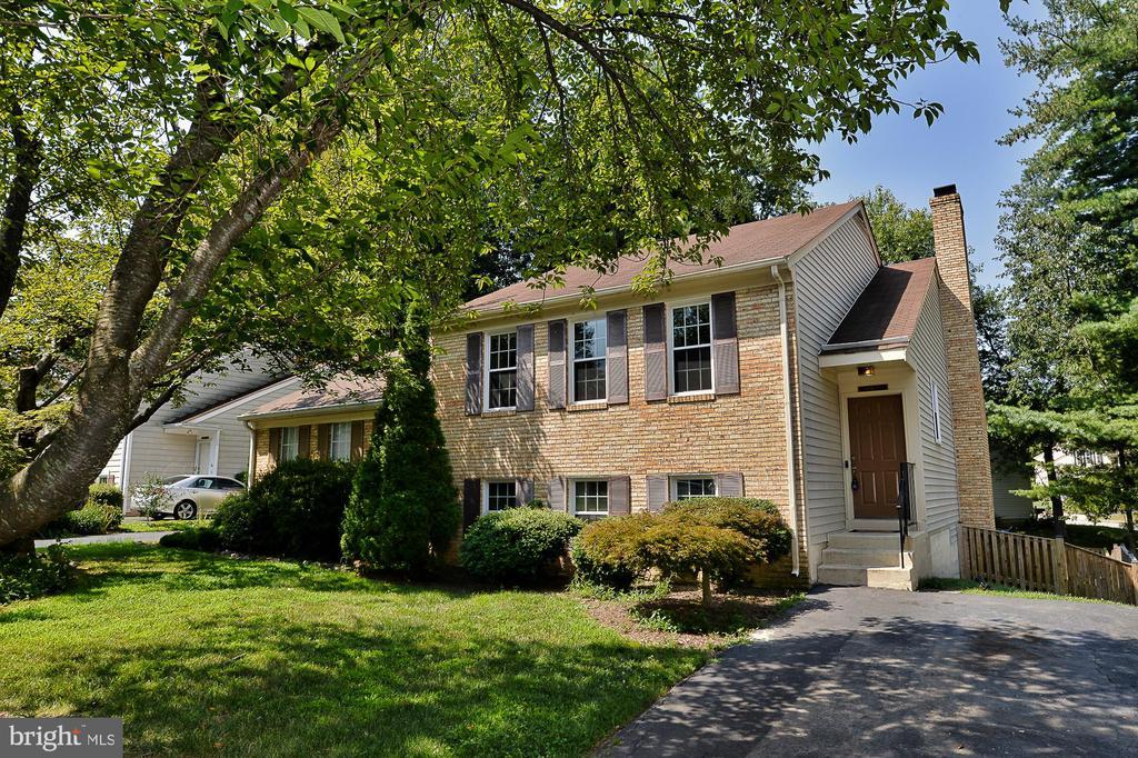Burke Homes for Sale -  Custom,  10011  DOWNEYS WOOD COURT